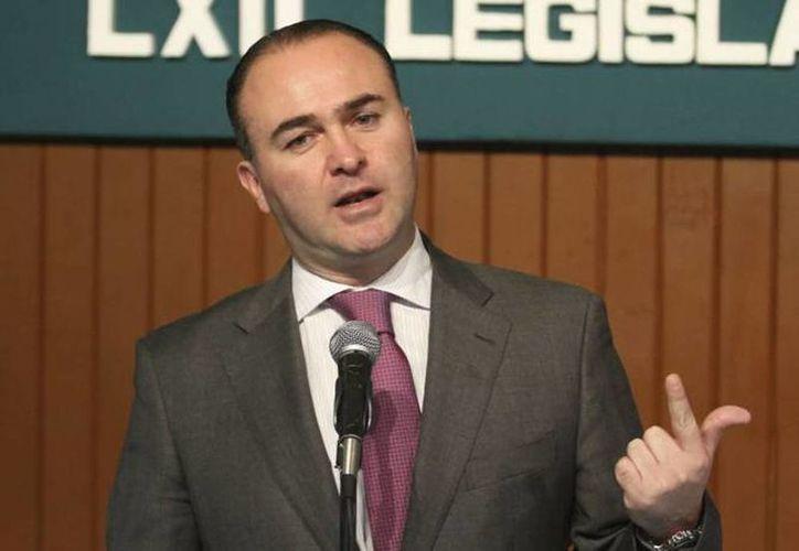 """""""En 2013 nuestra economía experimentó un crecimiento poco satisfactorio"""", dijo Luis Alberto Villarreal."""