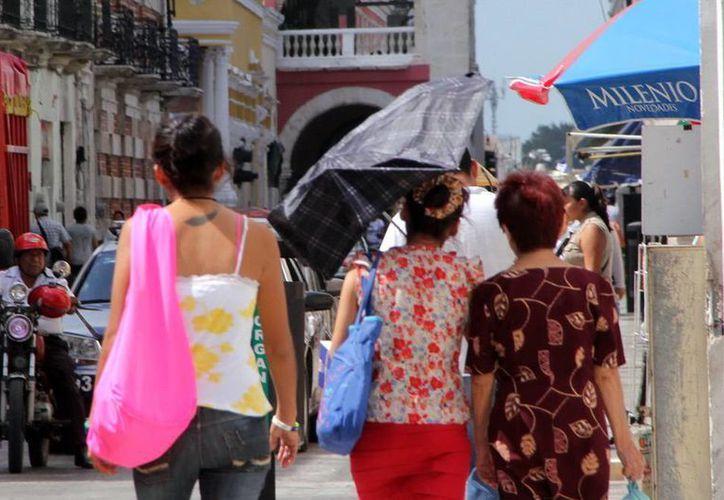 Ayer Mérida registró 36.2 grados centígrados; el calor continuará hoy. (José Acosta/SIPSE)