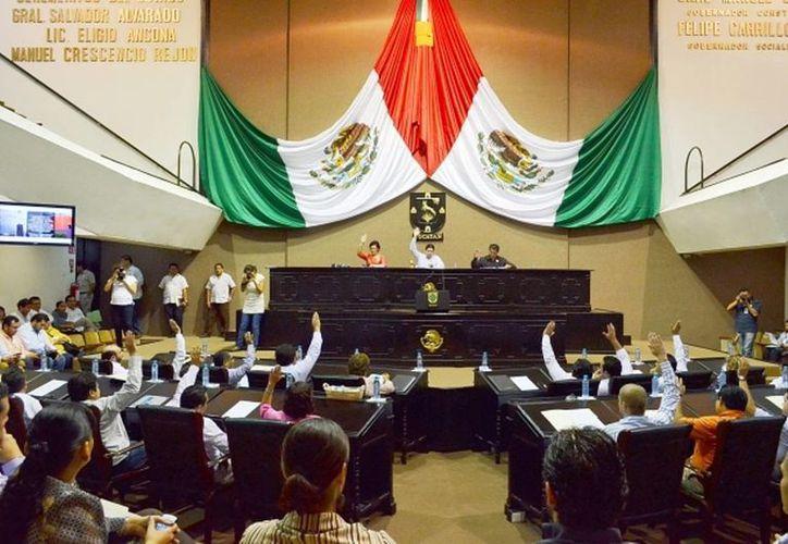 La legislatura yucateca rinde homenaje a los soldados por defender la integridad, independencia, soberanía y seguridad del país. (Archivo SIPSE)
