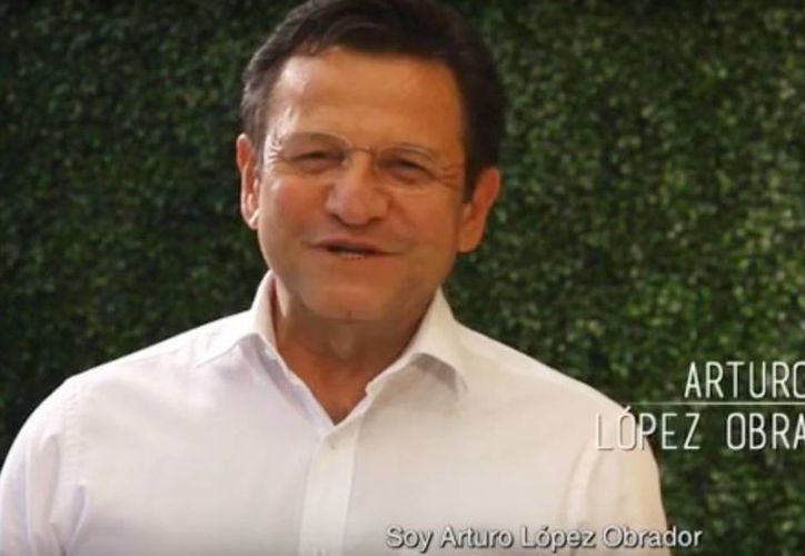 """Arturo López, hermano de Andrés Manuel López Obrador, aseguró que hace muchos años ya no estamos con él"""". (Captura de pantalla/Youtube)"""