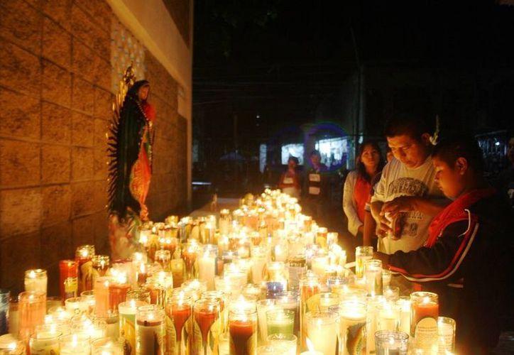 Las festividades tradicionales mexicanas levantan la curiosidad entre los extranjeros que se encuentran en el destino o que viajan para ser parte de los festejos. (Octavio Martínez/SIPSE)