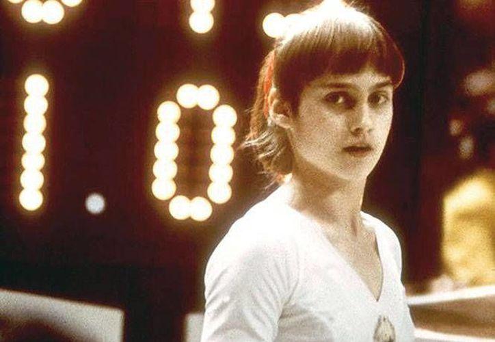 La gimnasta rumana Nadia Comaneci fue la primera deportista en conseguir un 10 en gimnasia en Juegos Olímpicos. Lo consiguió en 1976. (Fotos: Archivo Excélsior, AP y Especial)