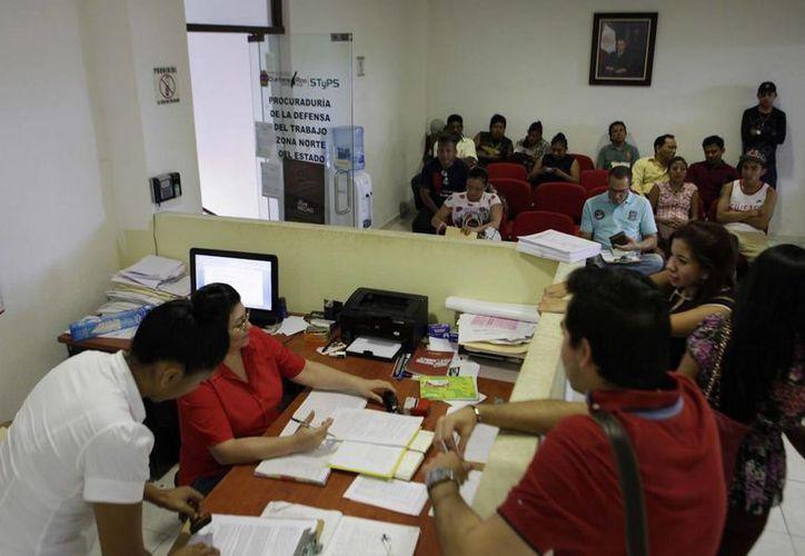 La Procuraduría de la Defensa del Trabajo efectuó 7 mil 103 audiencias entres las partes en conflicto a fin de ampliar la ley en la materia. (Redacción/SIPSE)