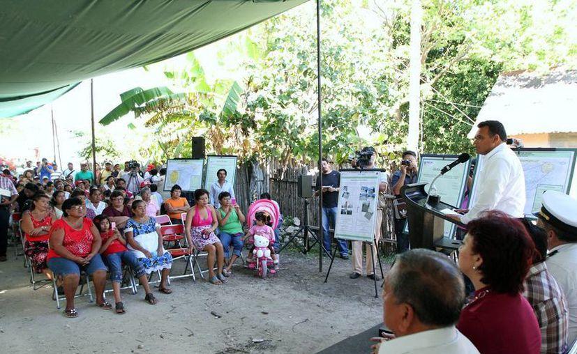 El gobernador Rolando Zapata entregó ayer dos importantes arterias del oriente del estado totalmente modernizadas. (Cortesía)