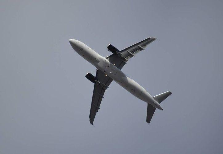 El nuevo avión de Volaris cuenta con un sistema que permite recopilar datos a distancia. (Archivo/Notimex)