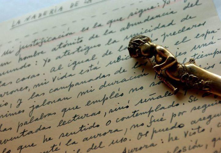 Detalle de un manuscrito del escritor argentino Jorge Luis Borges. En Argentina se realizará una muestra con 16 documentos inéditos del artista. (EFE/Archivo)
