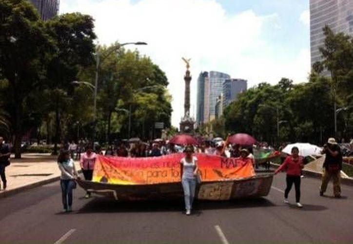 Hasta ahora no se ha registrado ningún incidente grave en torno a la marcha de MAES y de la CNTE. (Milenio)