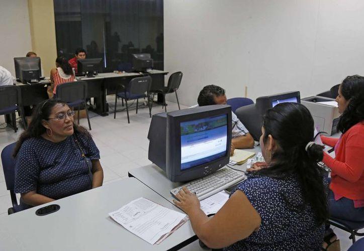 El proceso de cambios de turno, escuelas e inscripciones para alumnos de nuevo ingreso inició el pasado 10 de agosto. (Jesús Tijerina/SIPSE)