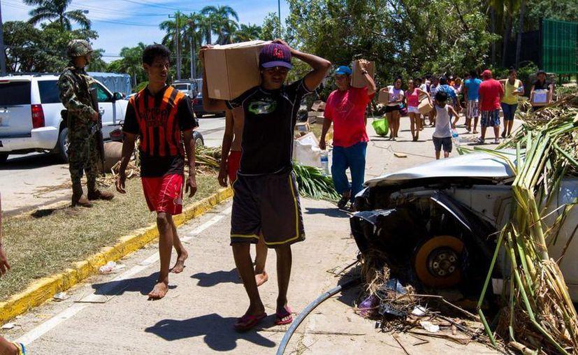 La SNTE dispone de un fondo de emergencia para los maestros afectados por el desastre. (Notimex)