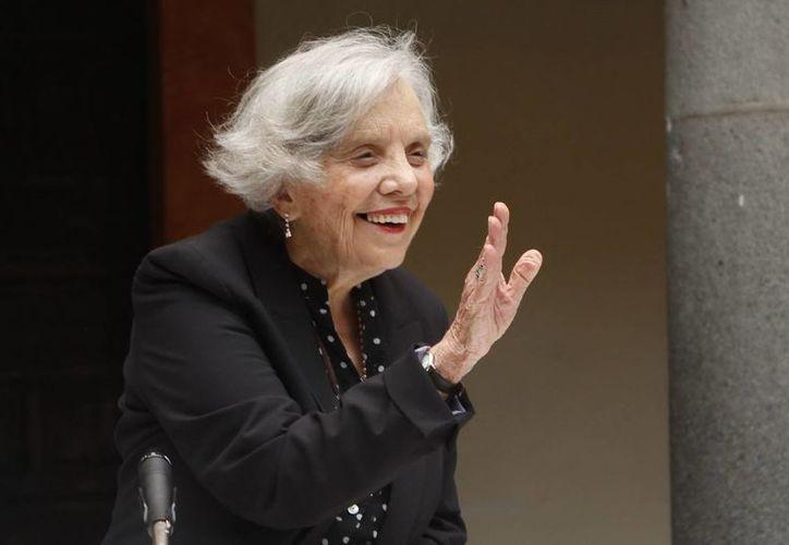 """Según el Jurado que entregó el Premio Cervantes a Poniatowska, ella es """"una de las voces más poderosas de la literatura en español en estos días"""". (Notimex/Foto de archivo)"""
