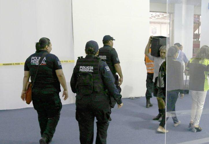 Elementos que mantendrán la seguridad en el recinto ferial. (Israel Leal/SIPSE)