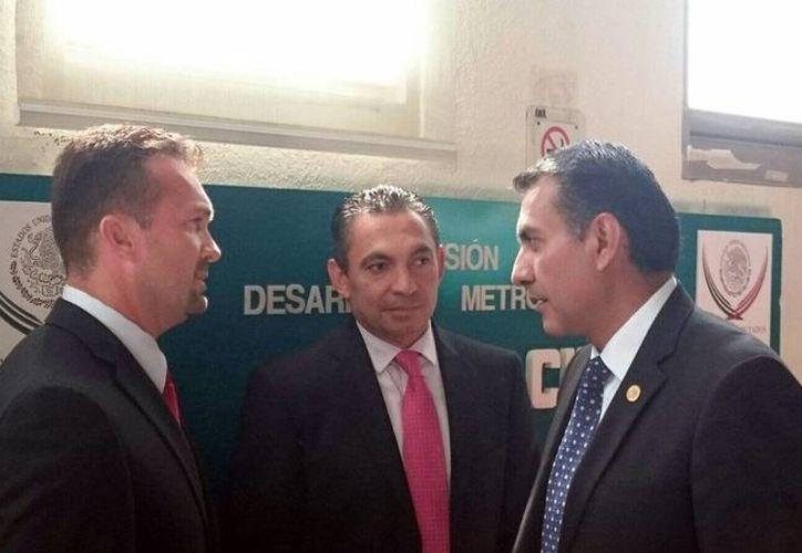 El director de la Coordinación Metropolitana de Yucatán (Comey), Clemente Escalante Alcocer (i) asistió a la instalación de la Comisión Permanente de Desarrollo Metropolitano de la Cámara de Diputados del Congreso de la Unión. (Foto cortesía de Gobierno de Yucatán)