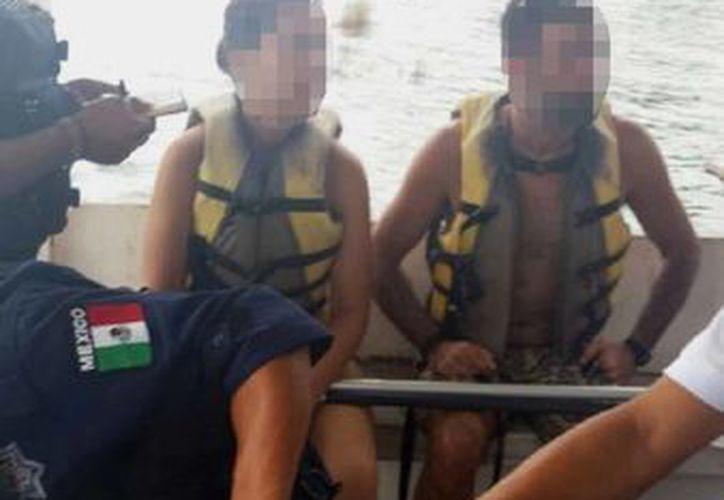 La pareja de España fue rescatada por un lanchero que se encontraba en el lugar. (Javier Ortiz/SIPSE)
