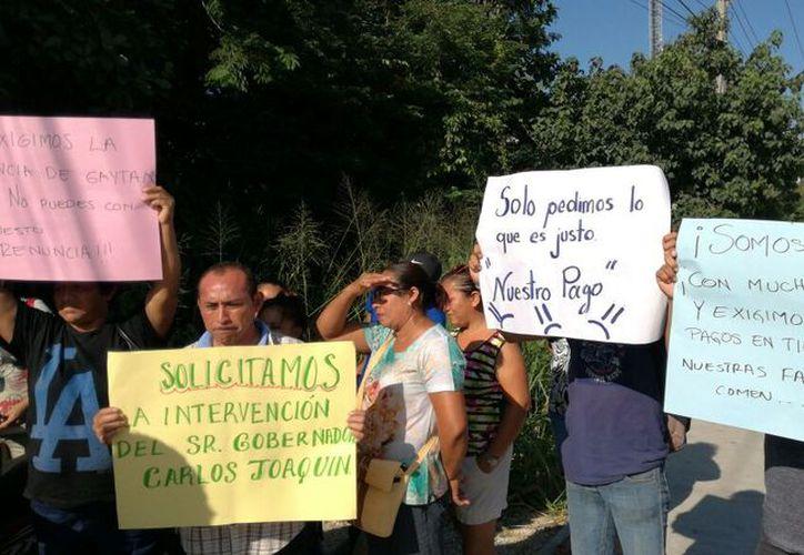 Se manifestaron los trabajadores de intendencia de escuelas públicas. (Daniel Pacheco/SIPSE)