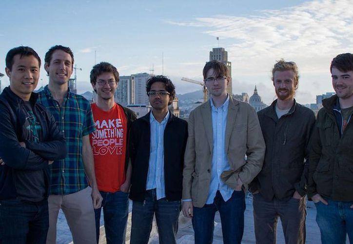 Los estudiantes e instructores de Smidge. (wired.co.uk)