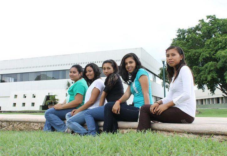 Las estudiantes yucatecas permanecerán 2 meses en Francia. (Cortesía)