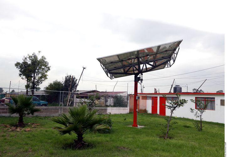 Los paneles solares se han vuelto muy populares, pero mucha gente aún desconoce las características de la energía solar. (Foto de Contexto: Reforma)