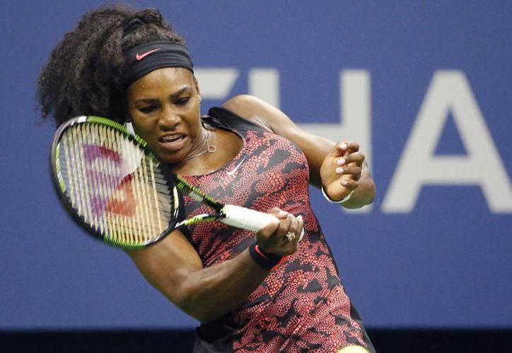 Serena Williams (foto) y su hermana Venus ganaron sus respectivos duelos en el Abierto de Estados Unidos, y ahora se enfrentarán en el país donde nacieron. (Foto: AP)