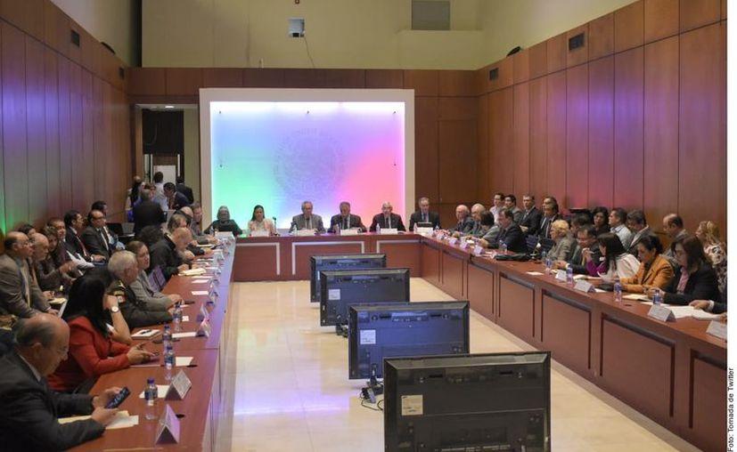 La Secretaria de Salud publicó el proyecto de Acuerdo que suspende labores en la Administración Pública Federal en todas las áreas no indispensables para enfrentar al Covid-19. (Agencia Reforma)