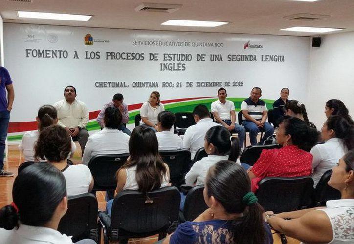 Los asesores de la zona sur se reunieron con el titular de la Secretario de Educación y Cultura, José Alonso Ovando. (Redacción/SIPSE)