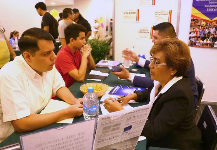 De 11 mil 281 pesos, el salario mensual promedio de profesionistas yucatecos. (Jorge Acota/ Milenio Novedades)