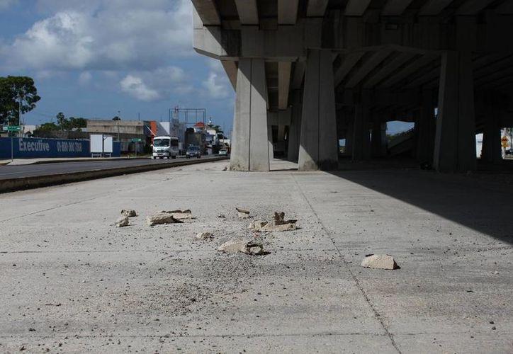 La situación de los puentes ha propiciado la burla de la ciudadanía. (Adrián Barreto/SIPSE)