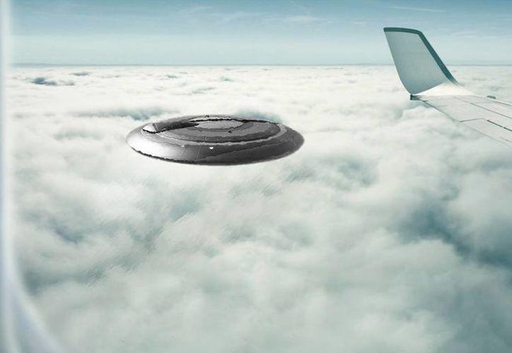 Se han reportado varios casos de ovnis captados desde aviones comerciales. (Jorge Moreno/SIPSE)