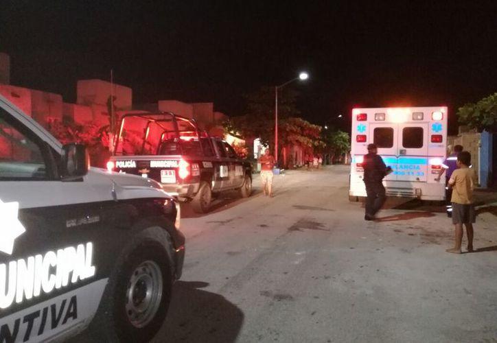 Una mujer fue herida con un arma blanca por la espalda durante la madrugada de ayer en Villas del Sol, Playa del Carmen. (Redacción/SIPSE)