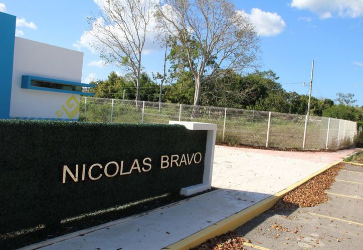 Habitantes y ejidatarios de Nicolás Bravo solicitaron la terminación de obra del Hospital, pero no han obtenido respuesta. (Foto: Joel Zamora/SIPSE)