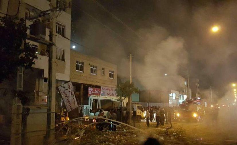 Fuentes extraoficiales aseguran que el estallido en Shiraz ocurrió por un conducto de gas.  (Twitter/ @z85510).