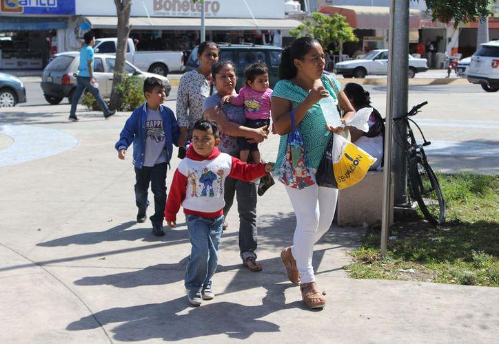 Las familias pueden acceder sin costo a la atención de más de mil 600 enfermedades e intervenciones médicas. (Joel Zamora/SIPSE)