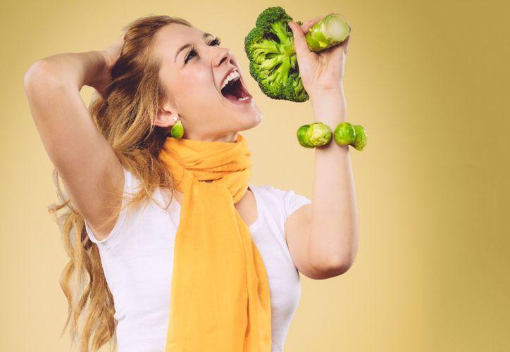 Las personas que comen alimentos de baja densidad energética tienen más probabilidades de sentirse llenas. (Internet)