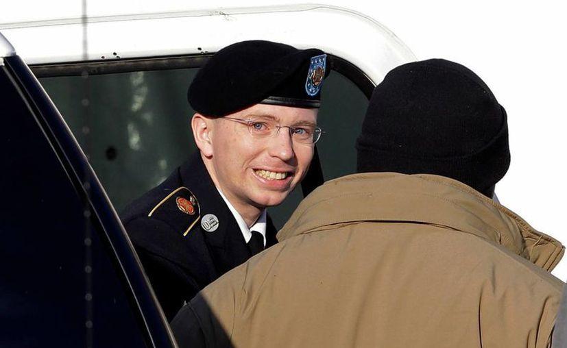 Activistas transgénero de EU señalan que se violarían los derechos de Manning si se le obliga a seguir siendo hombre. (Agencias)
