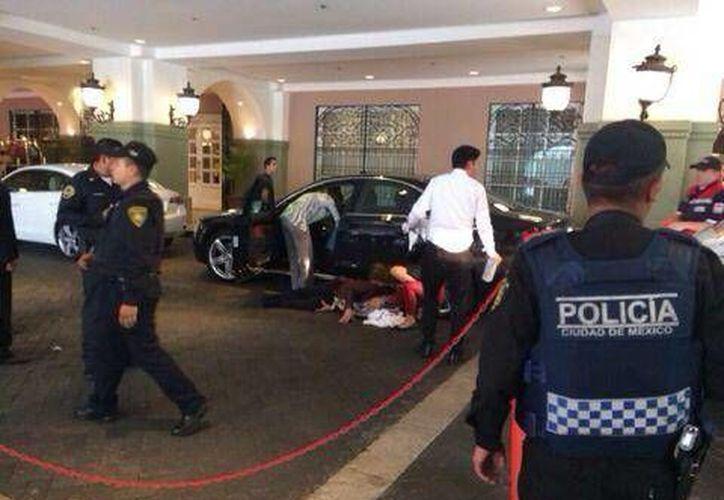 Asalto en el Hotel Fours Seasons de Reforma, en la Ciudad de México. (@lopezdoriga)