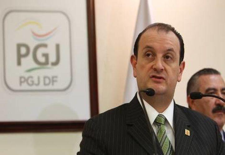 El procurador del DF, Adolfo Ríos, en conferencia de prensa. (milenio.com)