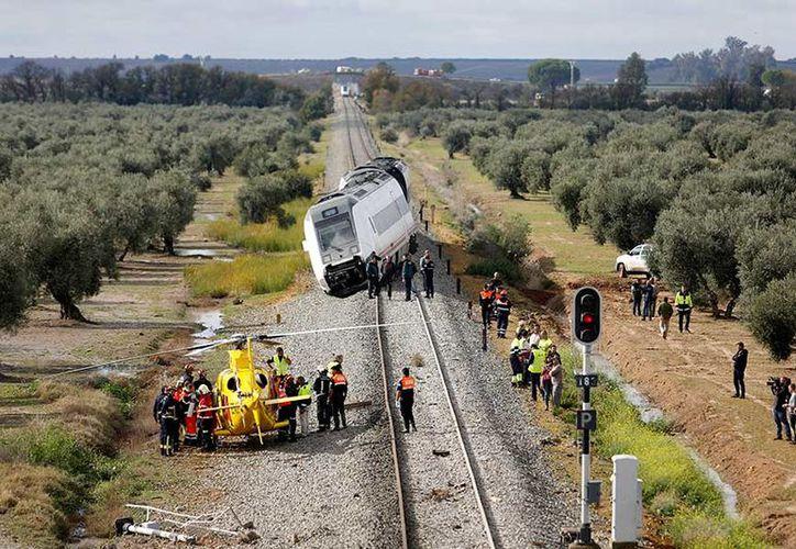 La empresa dijo que las lluvias causaron problemas en otros tramos de la vía. (Excelsior)
