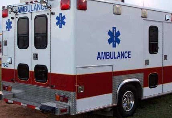La policía utilizó clavos para desinflar los neumáticos de la ambulancia. (todoalergias.com)