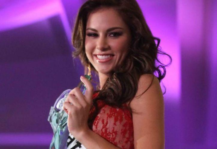 Maritza Heredia Torre, Nuestra Belleza Yucatán, pasó a la semifinal del certamen. (Notimex)