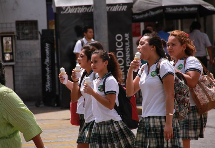 Mérida registró ayer una temperatura máxima de 33.6 grados centígrados a las 12:30 horas. Pronostican posibles lluvias para hoy viernes. (Jorge Acosta/Milenio Novedades)