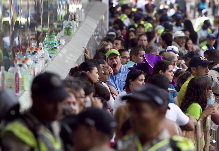 La atención de los venezolanos se concentra en la reducción de los precios en electrodomésticos, ordenada por el presidente Maduro. (Agencias)