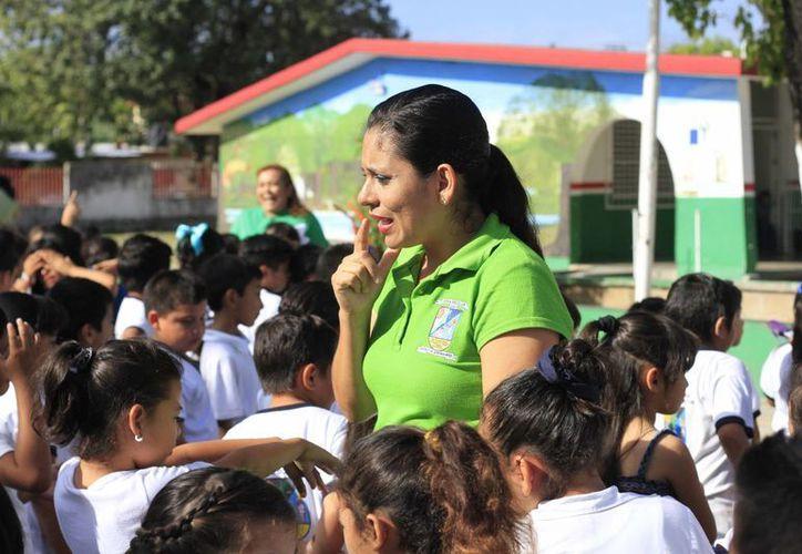 Los maestros serán evaluados en su desempeño para garantizar la educación de los alumnos. (Harold Alcocer/SIPSE)