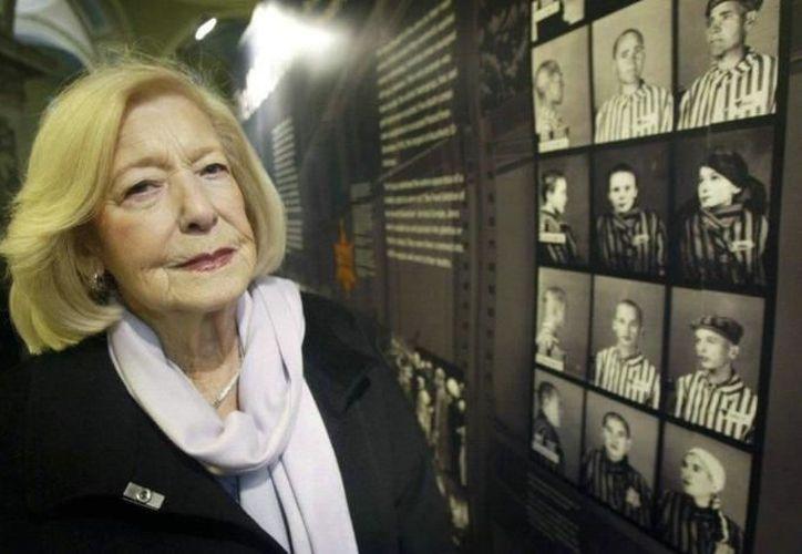 La mujer  se casó con uno de los libertadores británicos de Bergen-Belsen, Norman Turgel. (AP)