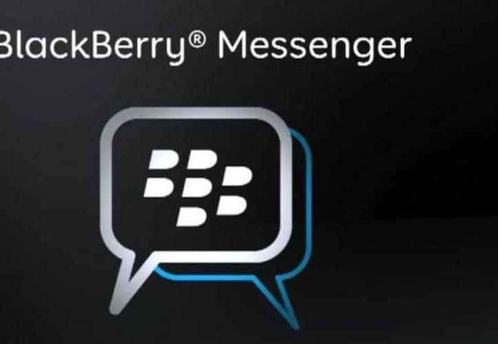 BlackBerry Messenger busca estar a la par de servicios ofrecidos por WhatsApp, Line, Viber, Skype y Facebook. (iphoneclub.nl/Archivo)