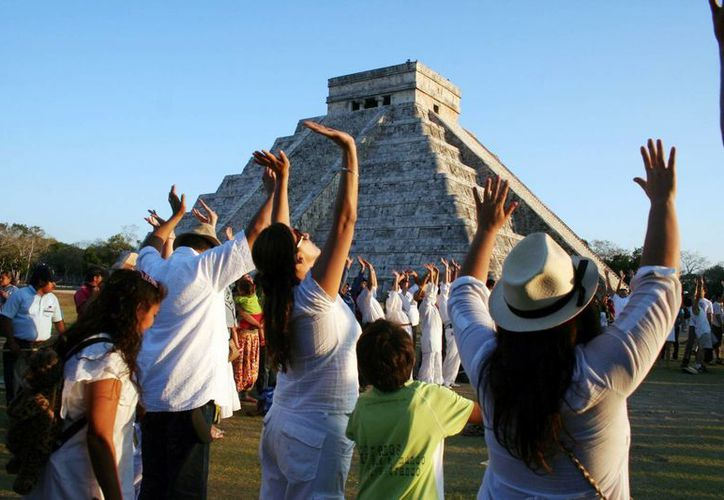 Estima el Patronato Cultur que para el equinoccio del próximo 21 de marzo asistan a la zona arqueológica de Chichén Itzá unos 18 mil turistas. (Milenio Novedades)