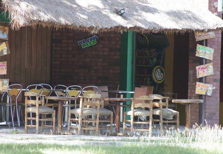 Ante la situación que viven los restauranteros se han despido a  350 trabajadores. (Harold Alcocer/SIPSE)