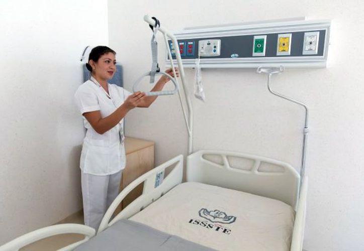 Por el momento, en la Clínica Hospital del Issste hay 20 elementos del personal médico, de enfermería y de administración. (Foto: Milenio Novedades)