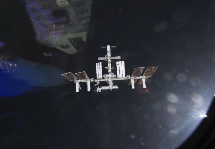 Fotografía de archivo tomada por uno de los astronautas a bordo del Endeavour y facilitada por la TV de la NASA. (EFE)