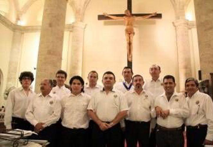 Integrantes del Consejo 2109 de los Caballeros de Colón. (Milenio Novedades)