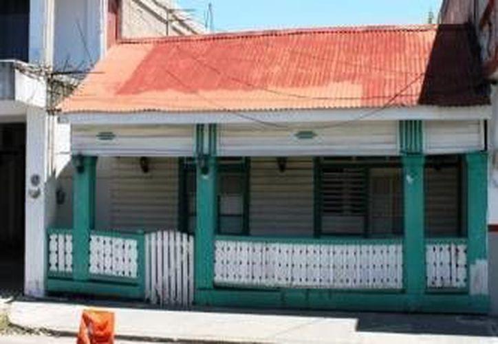Entre las obras que se realizarán se encuentra el remozamiento de fachadas de casas de madera chetumaleñas.  (Redacción/SIPSE)