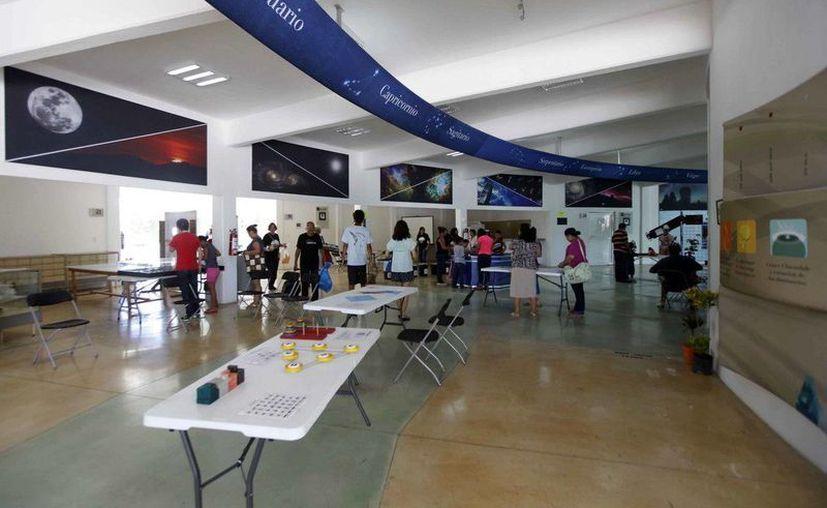 Del 24 de julio al 16 agosto el Planetario de Cancún ofrece siete títulos de películas, seis talleres y observaciones diurnas. (Cortesía)